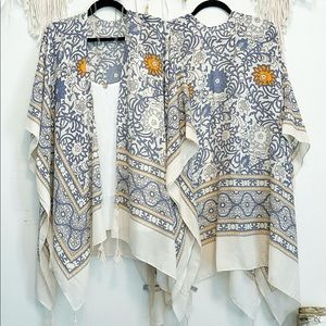 WHITE Lightweight Moroccan Floral Kimono